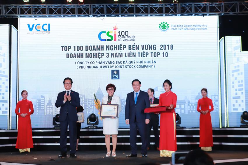 3 năm liên tiếp PNJ được vinh danh Top 10 trong 100 Doanh Nghiệp phát triển bền vững