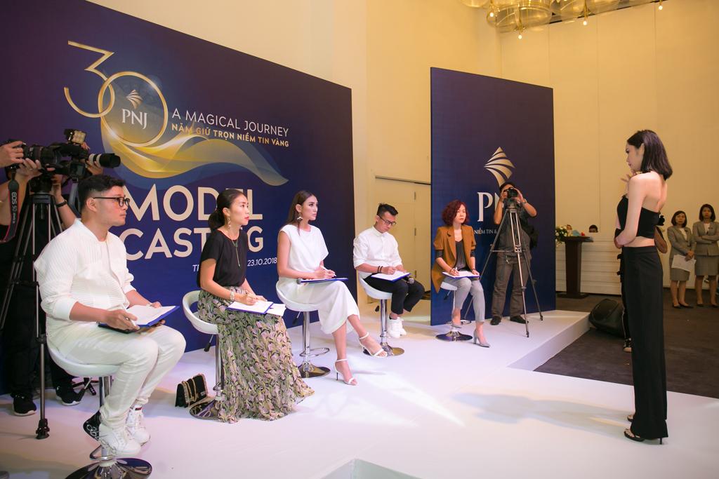"""PNJ tổ chức họp báo công bố fashion show """"A Magical Journey - 30 năm giữ trọn niềm tin vàng"""""""