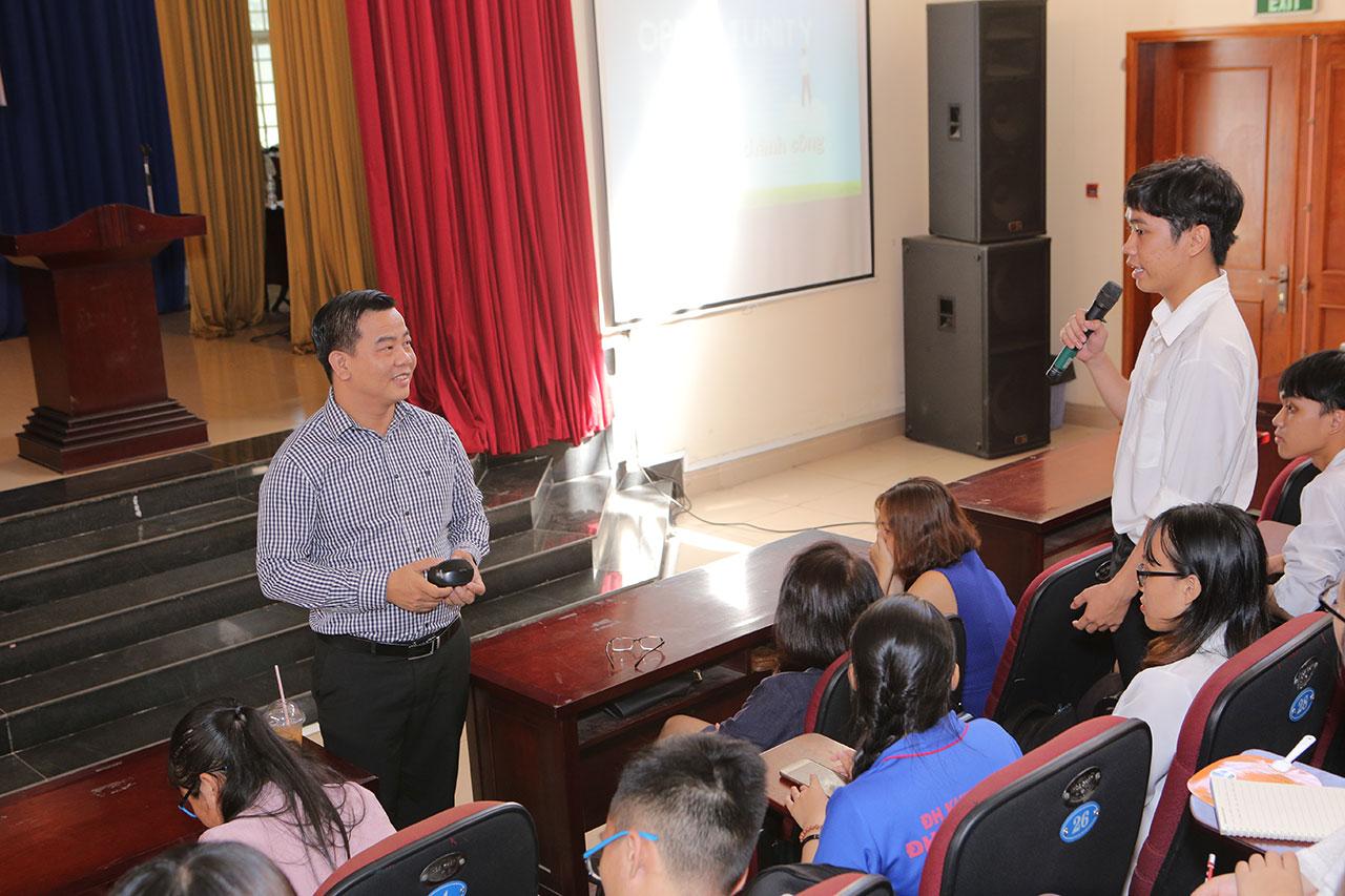 """PNJ lan tỏa """"niềm tin vàng"""" đến với sinh viên trường đại học Khoa Học Xã Hội & Nhân Văn TP.HCM"""
