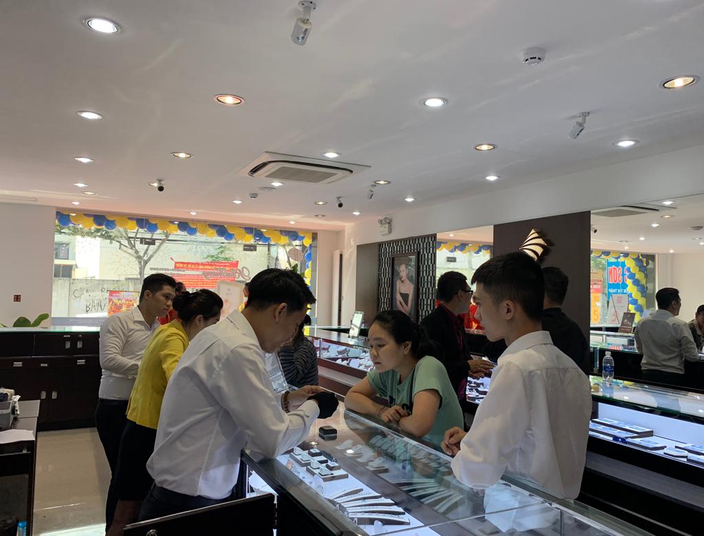 PNJ tưng bừng khai trương TTKH tại số 462 Nguyễn Thị Thập