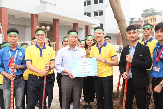 """PNJ lan tỏa """"niềm tin vàng"""" đến với sinh viên trường đại học Kinh Tế Kỹ Thuật Công Nghiệp"""