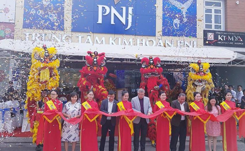 Tưng bừng khai tưởng trung tâm Kim Hoàn PNJ 513 Điện Biên Phủ - Đà Nẵng