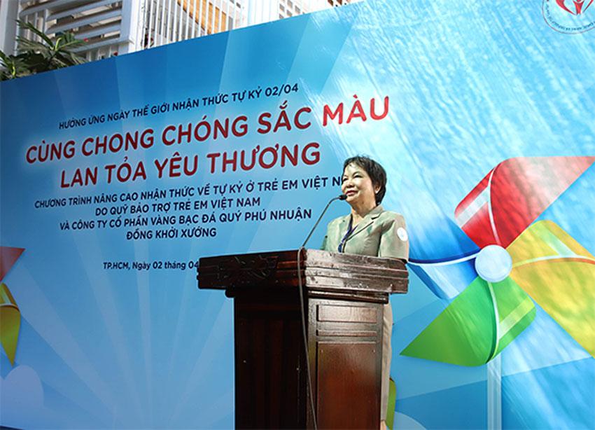 Bà Cao Thị Ngọc Dung - Chủ tịch HĐQT Cty CP Vàng Bạc Đá Quý Phú Nhuận phát biểu tại sự kiện